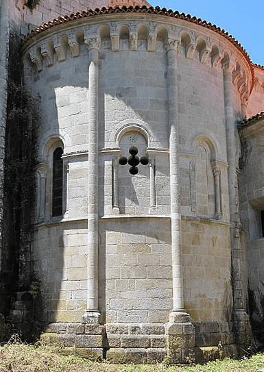 Románico Ribeira Sacra - Ábside iglesia Santo Estevo de Ribas de Sil