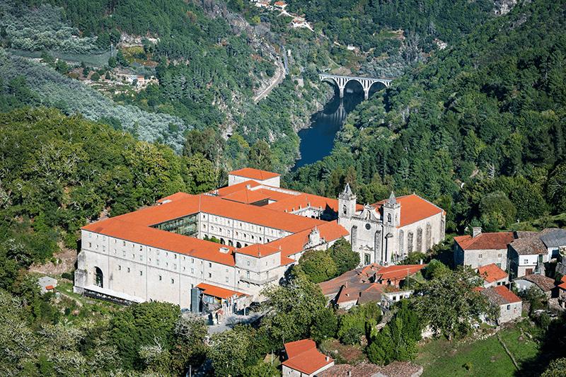 Santo Estevo de Ribas do Sil - Románico Ribeira Sacra Vista aérea